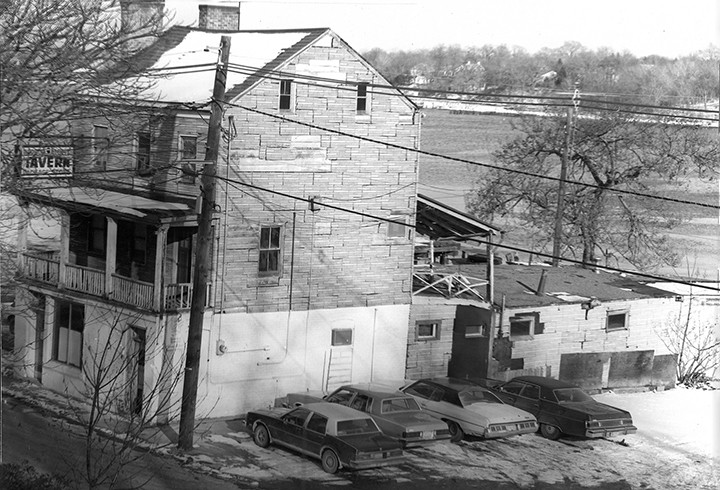 PERTH AMBOY - Harbor Lights Tavern circa 1970's.                            *Photo Courtesy of Stanley Jaremczak This Photo was restored under a grant for the Kearny Cottage Archiving project by the Middlesex Cultural and Heritage Commission